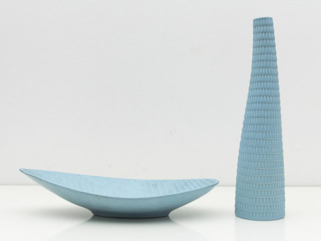Reptil vase and leaf-shaped centerpiece for Studio Gustavsberg