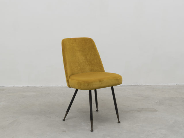 Velvet desk chair for Rima