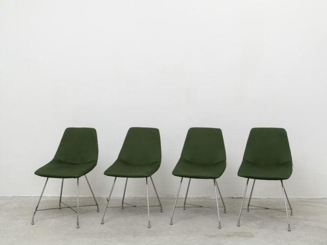 "Set of 4 ""Aster"" chairs for Saporiti"