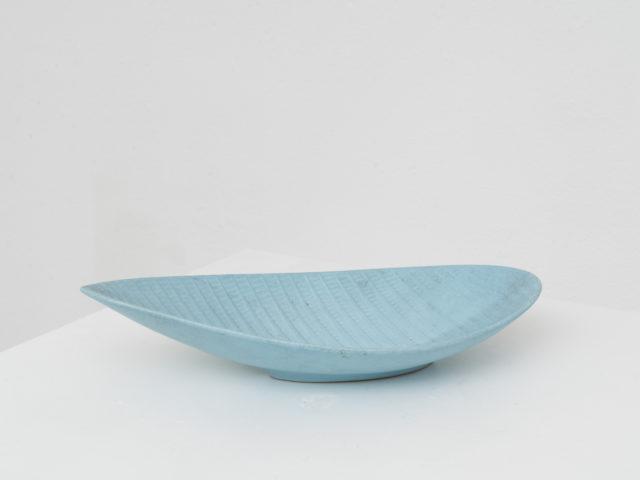 """Reptil"" leaf-shaped centerpiece for Studio Gustavsberg"