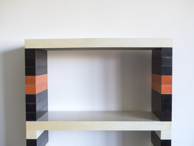 "Combinable ""Brick System"" shelf for Longato"