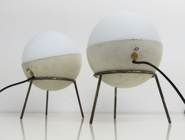 Set of 2 tripod table lamps